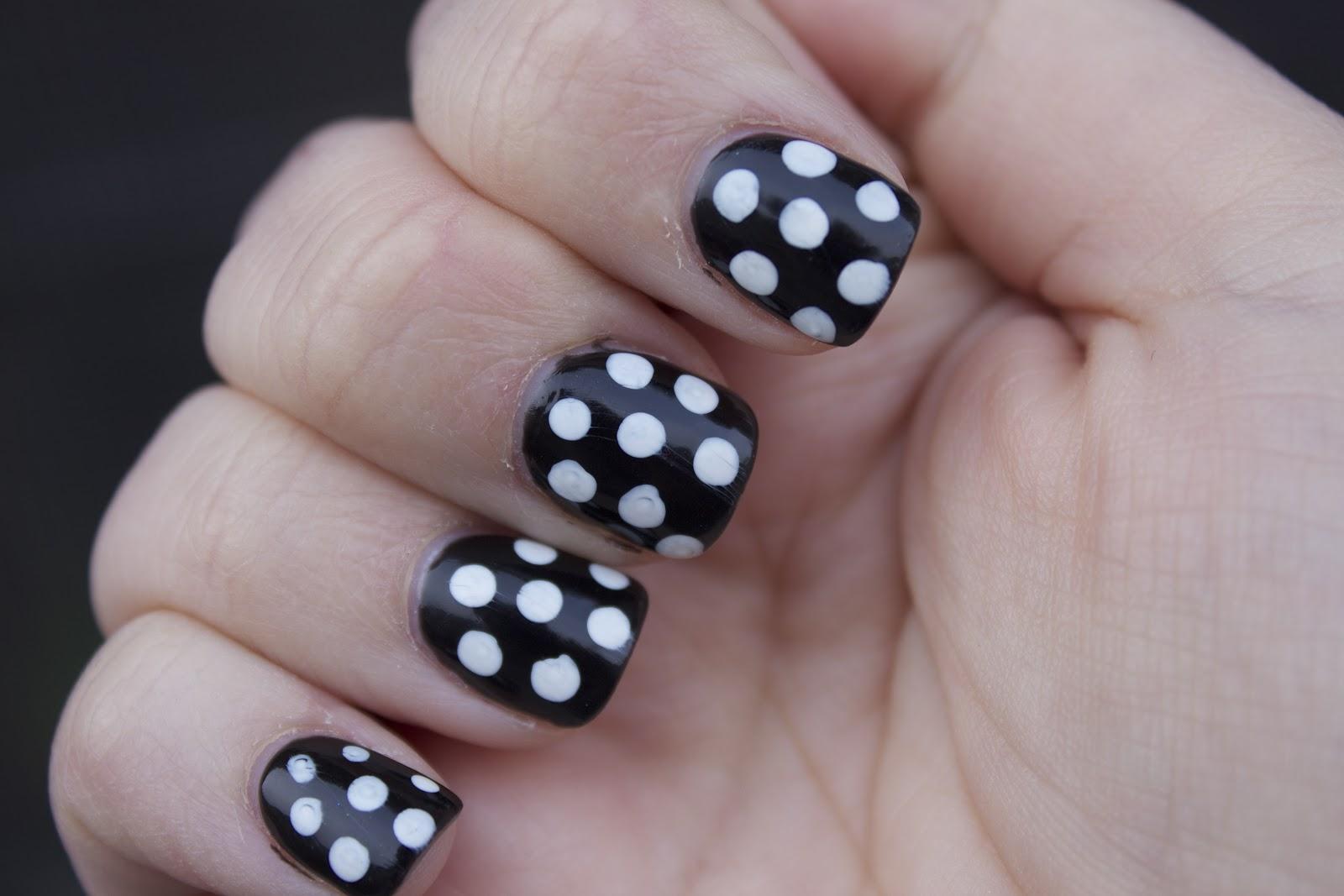polka-dots-2 – Solar Nails & Spa Newpark